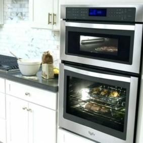 размещение микроволновки на кухне дизайн идеи