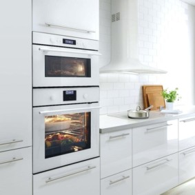 размещение микроволновки на кухне идеи дизайн