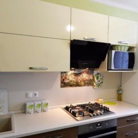 размещение микроволновки на кухне идеи дизайна