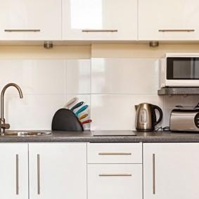размещение микроволновки на кухне идеи интерьер