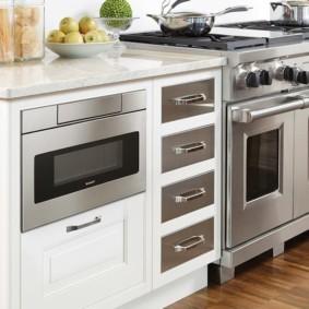 размещение микроволновки на кухне оформление