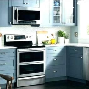 размещение микроволновки на кухне оформление фото