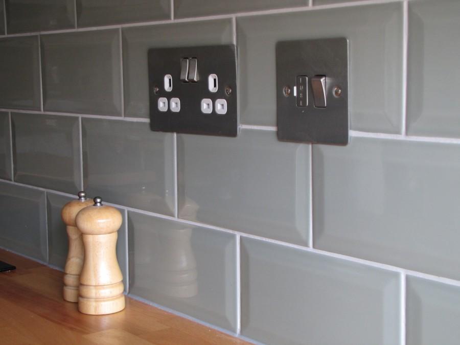 розетки на современной кухне