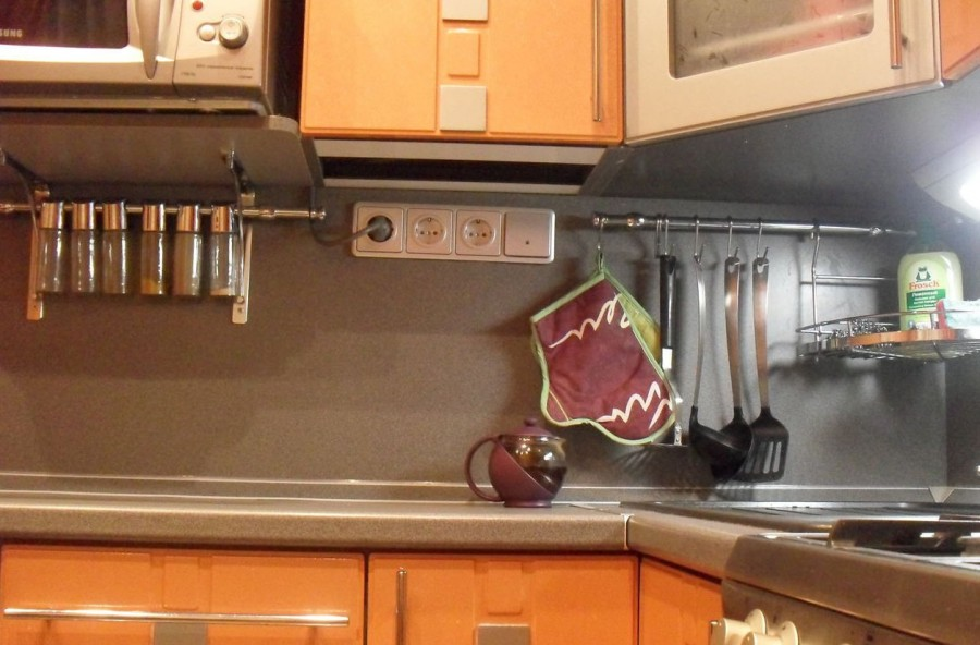 розетки на современной кухне интерьер
