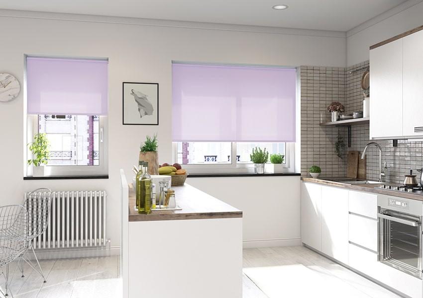 рулонные шторы на кухне декор