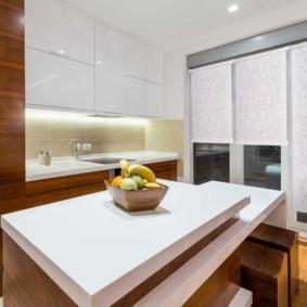 рулонные шторы на кухне интерьер идеи