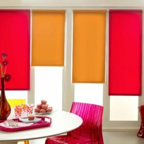 рулонные шторы на кухне идеи фото