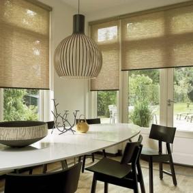 рулонные шторы на кухне идеи интерьера