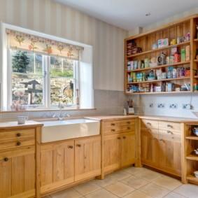 рулонные шторы на кухне оформление фото