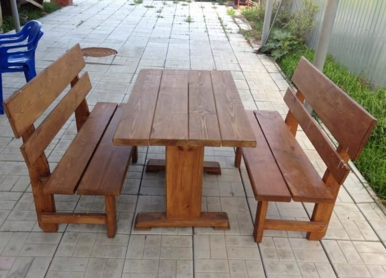 Садовая мебель для обеденной зоны летней кухни