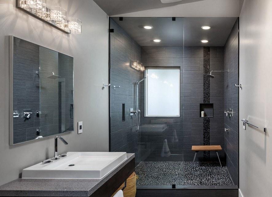 Интерьер ванны с душем в оттенках серого цвета