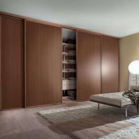 встроенный шкаф купе в спальне широкий