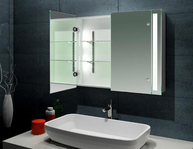 Дизайн санузла с зеркальным шкафчиком