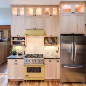 шкафы до потолка на современной кухне дизайн