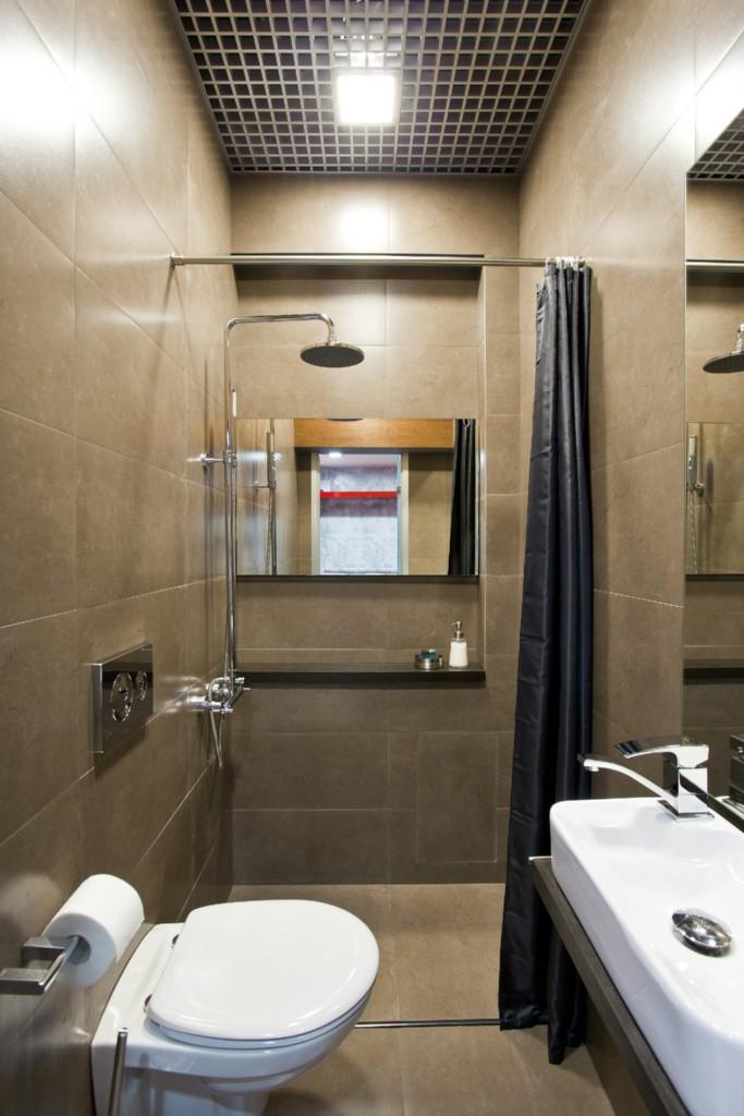 Ванная с душем в шоколадном цвете