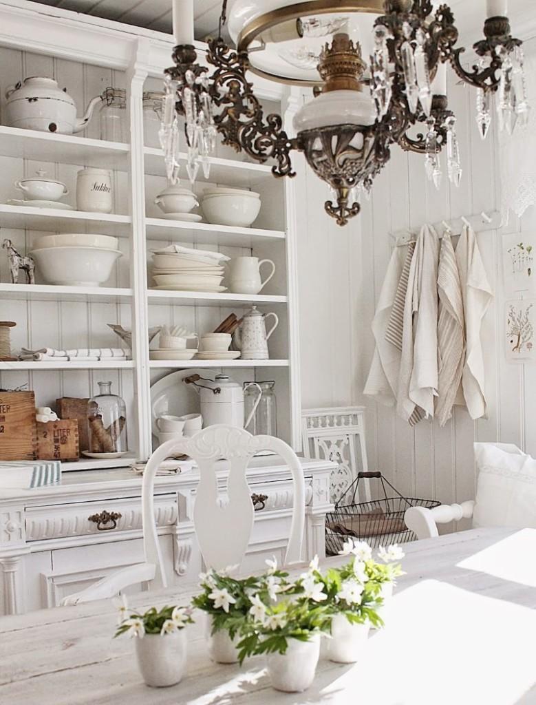 Кухонный стеллаж в деревенском стиле