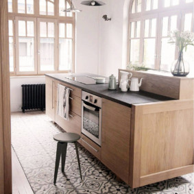 совмещение плитки и ламината на кухне фото дизайна