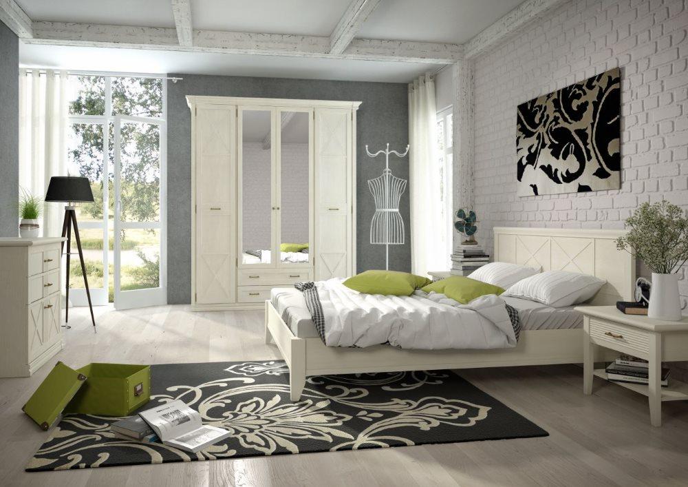 Интерьер спальни в частном доме с гарнитуром ангстрем кантри