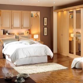 спальня в бежевых тонах оформление