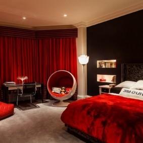 спальня в красных тонах фото