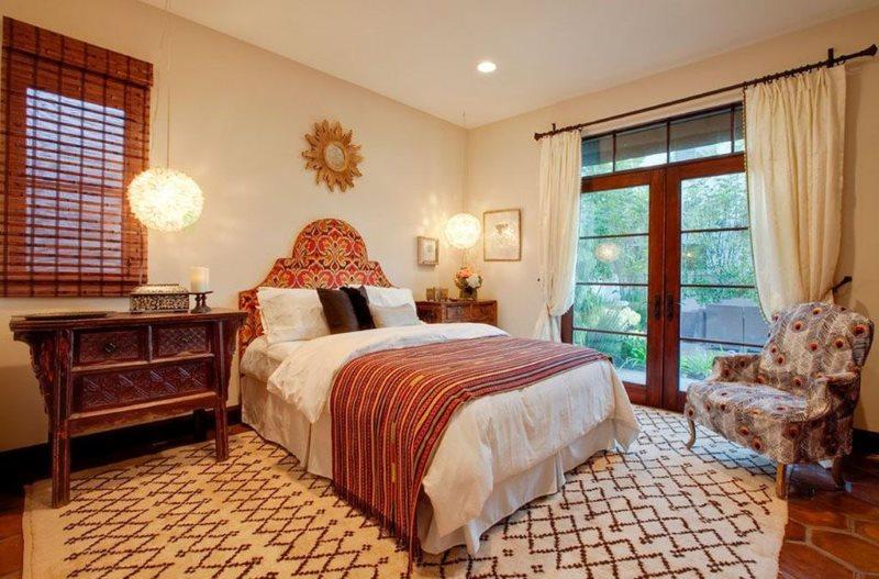 Светлая спальная комната в марокканском стиле