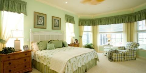 спальня в зеленых тонах идеи варианты