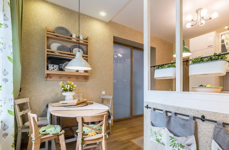 Интерьер кухни с жидкими обоями светлого цвета