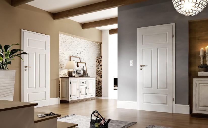 светлые двери в квартире декор фото