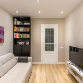 светлые двери в квартире фото декор