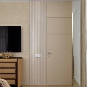светлые двери в квартире фото декора