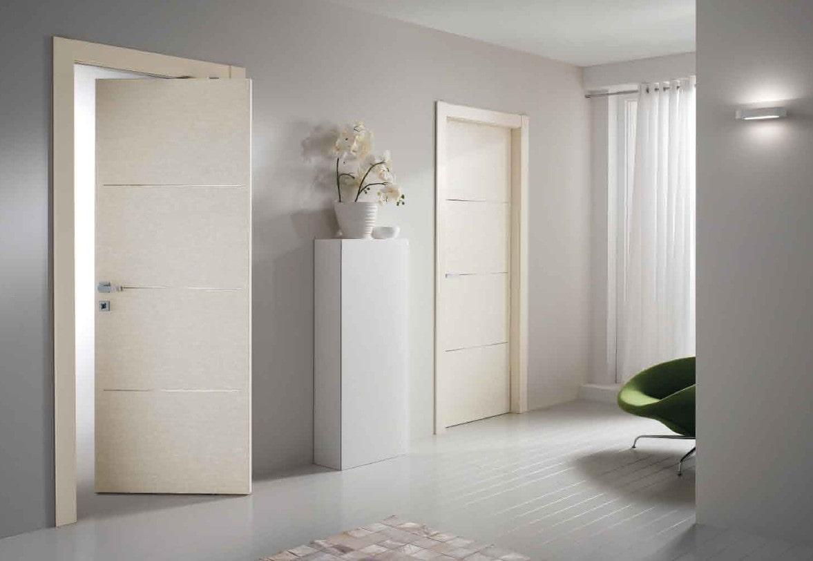 светлые двери в квартире идеи декора