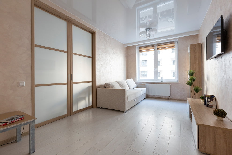 светлые двери в квартире идеи фото