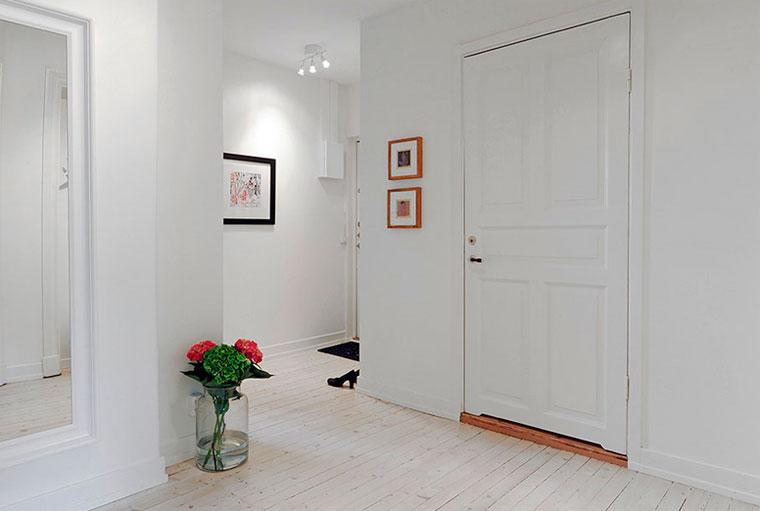 светлые двери в квартире варианты