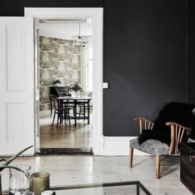 светлые двери в квартире фото интерьер