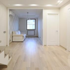 светлые двери в квартире фото оформления