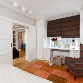 светлые двери в квартире фото видов