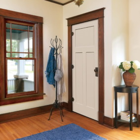 светлые двери в квартире идеи