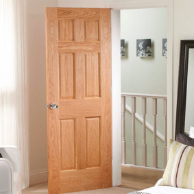 светлые двери в квартире идеи интерьер
