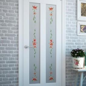 светлые двери в квартире идеи интерьера