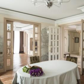 светлые двери в квартире идеи оформления