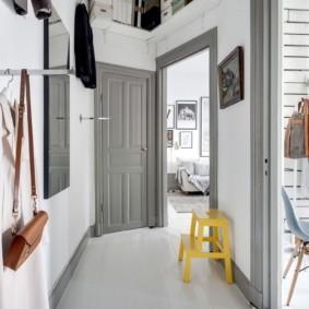 светлые двери в квартире оформление фото