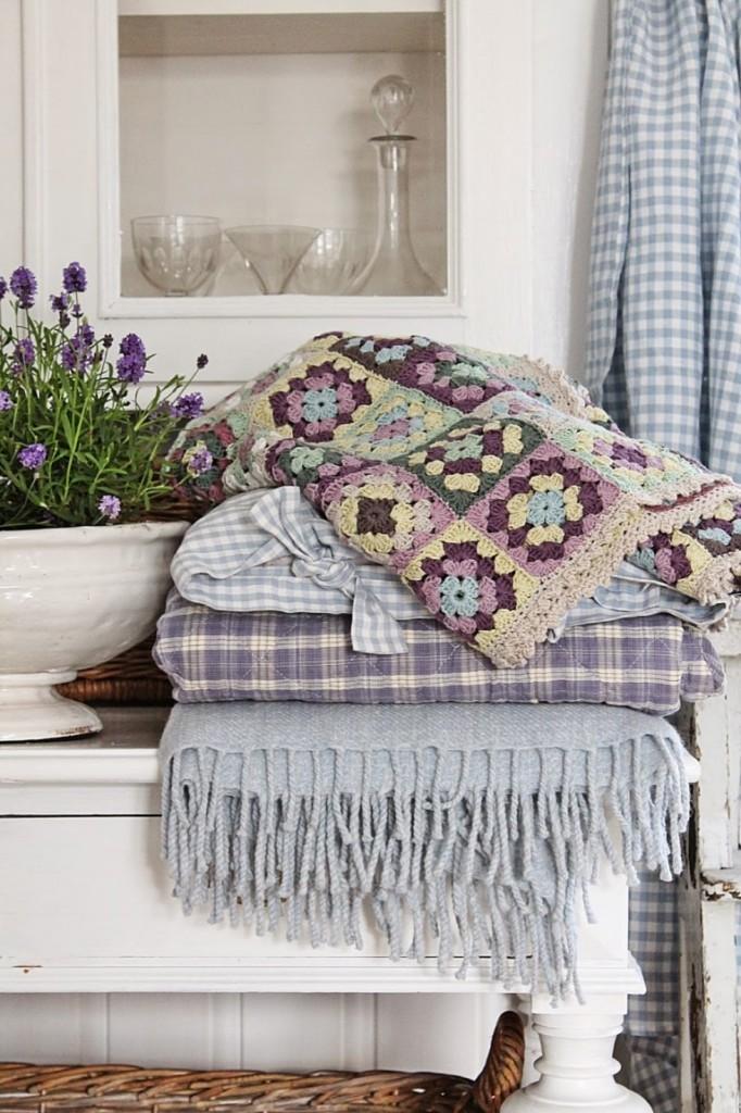 Натуральный текстиль в интерьере стиля прованс