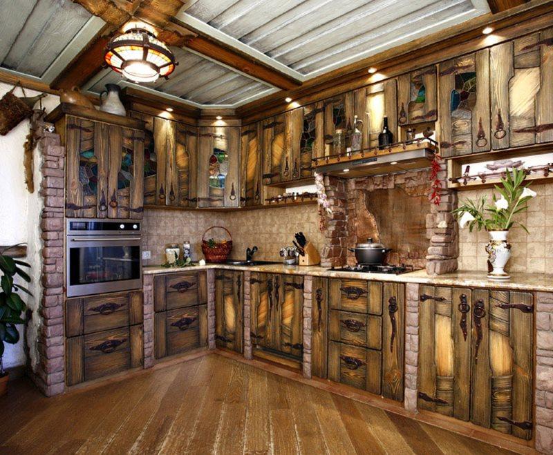 Деревянный гарнитур для кухни под старину