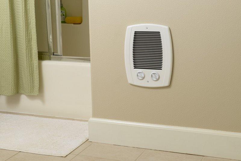 Встроенный обогреватель в стене ванной комнаты