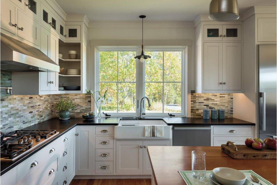 интересные дизайн кухни с мойкой под окном фото бир ма?ол