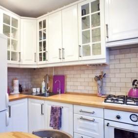 Декор кухонного фартука плиткой кабанчик