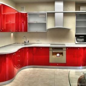 Красные фасады мебели для угловой кухни