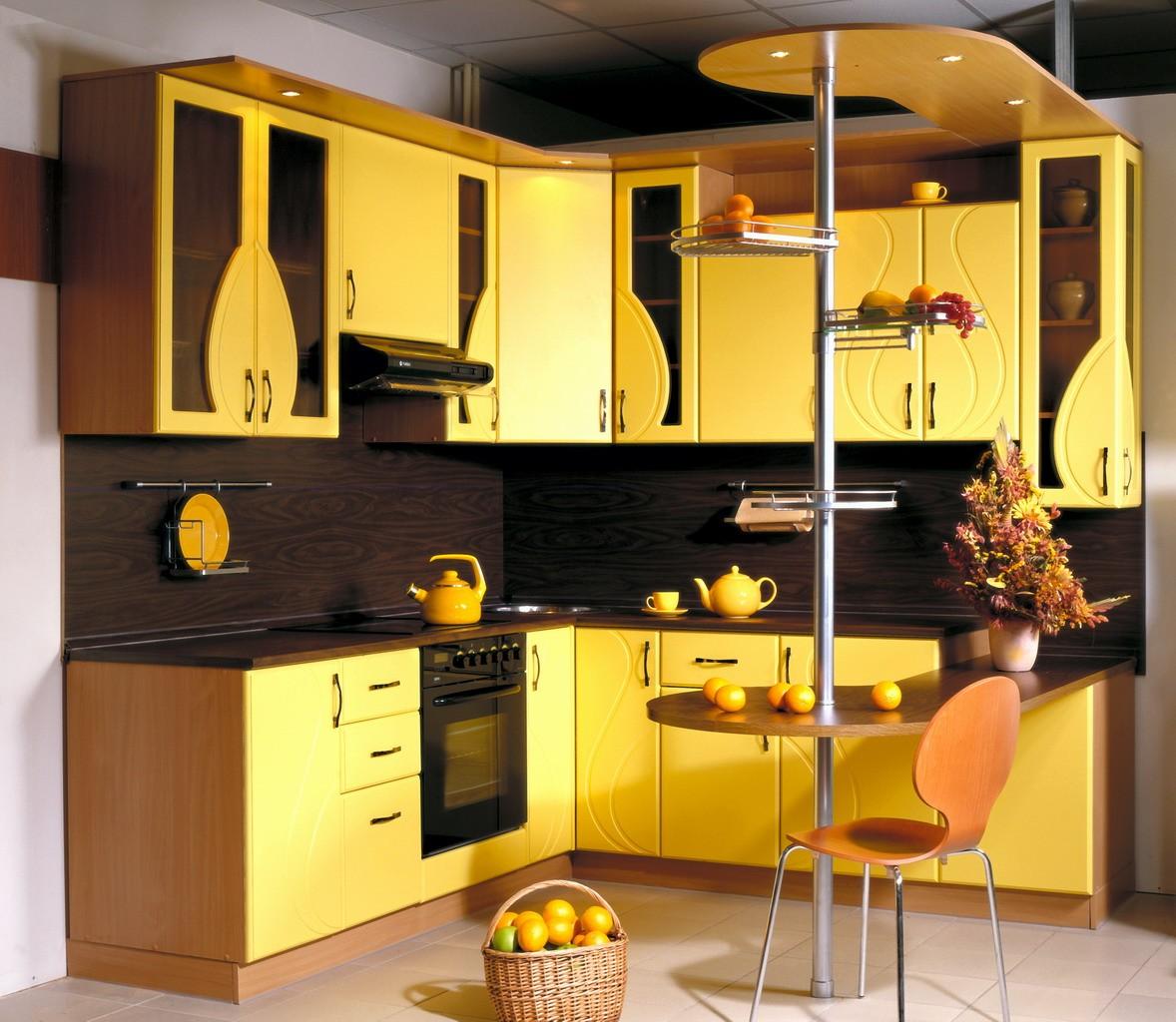 угловая кухня с мойкой в углу фото дизайн