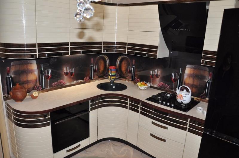 угловая кухня с мойкой в углу фото вариантов