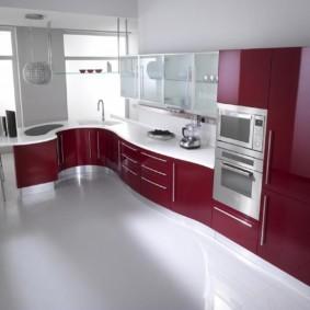угловая кухня с мойкой в углу оформление фото